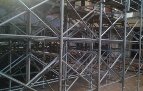 Realizzazione tribuna in un Teatro